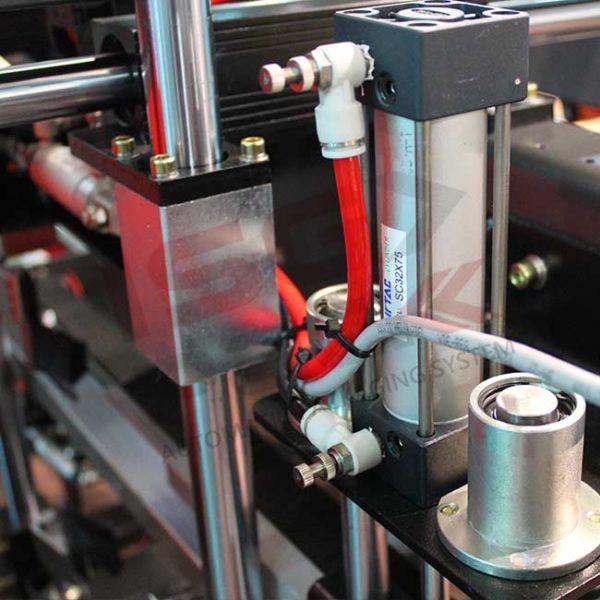 Sistema pneumatico per nastratrice automatica