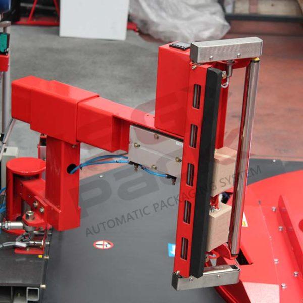 Sistema gruppo pinza e taglio per avvolgipallet automatico
